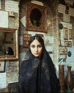 عکس  زیبای یک بانوی شیرازی،یاد اون قدیما بخیر...