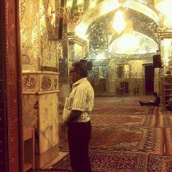در شگفتم که سلام آغاز هر دیدار است  ولی در نماز پایان است . شاید این بدین  معناست که پایان نماز ,, آغاز دیدار است .