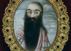 فتحعلی شاه به مدت۳۷سال بر ایران حکومت کرد. در طول این مدت او۱۵۸بار ازدواج کرد و بدین ترتیب صاحب۲۶۰فرزند و پدر بزرگ۷۸۶نوه شد.او رکورد دار زادو ولد در تاریخ تمام حاکمان جهان است