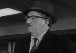 فیلم سینمایی جاسوسی که از سردسیر آمد  www.filimo.com/m/PueyL