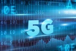 اینترنت نسل پنجم 5G شاید اینطور بنظر برسد که اینترنت نسل پنجم دارای سرعت بالاتری برای دانلود و آپلود تصاویر و ویدئوهای ما خواهد بود. اما در اصل این نسل بیشتر برای ارتباط بین دستگاه ها و وسایل هوشمند بکار گرفته خواهد شد. از این پس می توانید از طوری دیگر با لوازم خود در ارتباط باشید و عملکرد آنها را در دست بگیرید. Internet of Things، یا همان اینترنت اشیاء به یک مبنای مناسب احتیاج دارد که توسط نسل پنجم فراهم می گردد. در نتیجه از آن می توان انتظارات بیشتری از سرعت بالا برای دانلود و آپلود فایل ها داشت