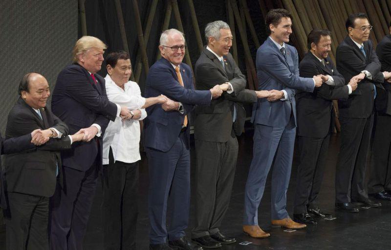 """عکس یادگاری اجلاس سران """"آ.سه.آن"""" در مانیل فیلیپین"""