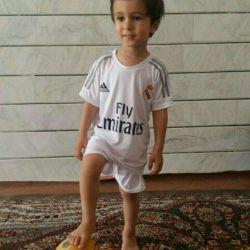 کیان کوچولوی عمو فوتبالیست شده ماشاالله
