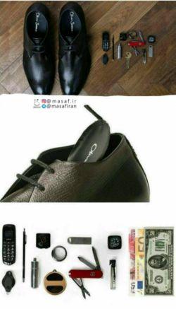 کفشهای جاسوسی که باقیمت2636دلار به فروش میرسند،از الیاف مصنوعی ساخته شده ودر آن کوچکترین موبایل جهان،چاقو،حلقه پرداخت هوشمند،دوربین،قلم،جعبه دارو،چراغقوه،اسپری جاسازی شده است