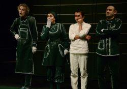 فیلم تئاتر شیش و هشت  www.filimo.com/m/m3SI0