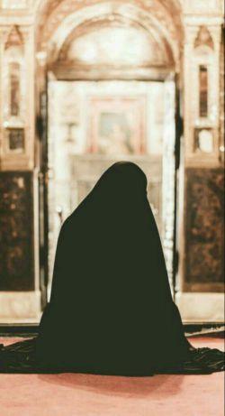 یـڪ زن بـا حجـــ❤ ـــاب :  براے پدرش افتخار؛ براے برادرانش عزت؛ بـراے همســرش گـنـج؛ براے فرزندانش بهترین الگو؛ و براے جامعہ آرامش مےباشــد...   #حجاب