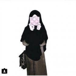 من یک مدافعم. مدافع ارثیه ی مادرم زهرا س. تو در میدان جهاد بجنگ. من هم در خاکریز حجاب. خدا کند که شرمنده خاندان علی نباشیم