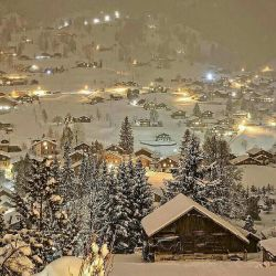 سلام دوستان شبتون بخیر کی دوست داره یه همچین جایی زندگی کنه؟