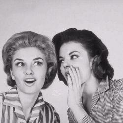 تحقیقات نشان میدهد میانگین زمانی که یک زن قادر است رازی را نگه دارد ۴۷ ساعت و ۱۵ دقیقه است!  اگه بیشتر ازین نگه داشت حتما رازو یادش رفته :))