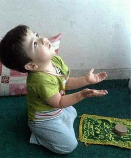 هر که منظورِ خود از غیرِ خدا می طلبد.... چو گدایی ست که حاجت زِ گدا می طلبد...  http://www.bazarazerbaijaan.com/