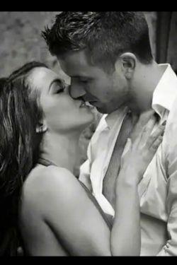 """ز عشقت  ... بند بند این دل """" دیوانه """" می لرزد  ... خرابم می کنی اما خرابی با  """"تو """" می ارزد  ...M❤"""