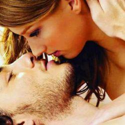 وقتی تو را می بوسم بگذار تمام دنیا را آب ببرد  ... من در میان آرامش آغوش تو در هر طوفانی به ساحل می رسم  ...M❤