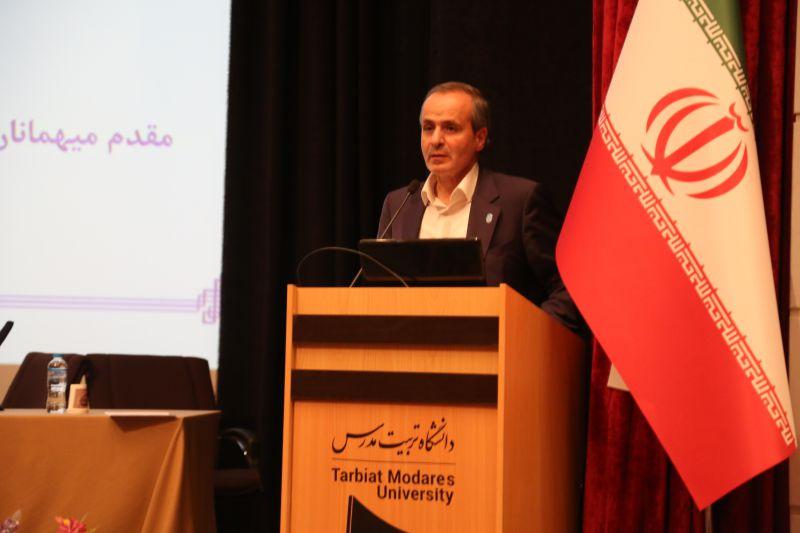 دکتر احمدی رییس دانشگاه تربیت مدرس در پنجمین همایش پیشرفت و توسعه علمی کشور با محوریت راهکارهای رسیدن به دانشگاه نسل سوم
