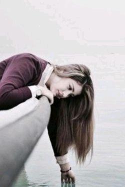 بلای عشق را جز عاشق شیدا نمی داند/  به دریا رفته میداند مصیبت های طوفان را. ابولحسن ورزی