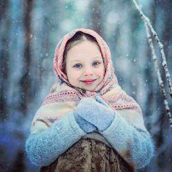 هنگامی که آدم ها شمارا می بینند ابتدا به لبخند شما نگاه می کنند... توجه آدم ها به لبخند 47% به چشمان شما 31% بوی شما 11% لباس شما 7% موی شما 4% است لطفا بیشتر لبخند بزنید☺❤☺   