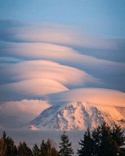 ابرهای فوق العاده زیبا و شگفت انگیز