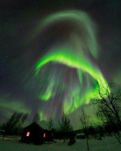 پدیده زیبای شفق قطبی در سوئد