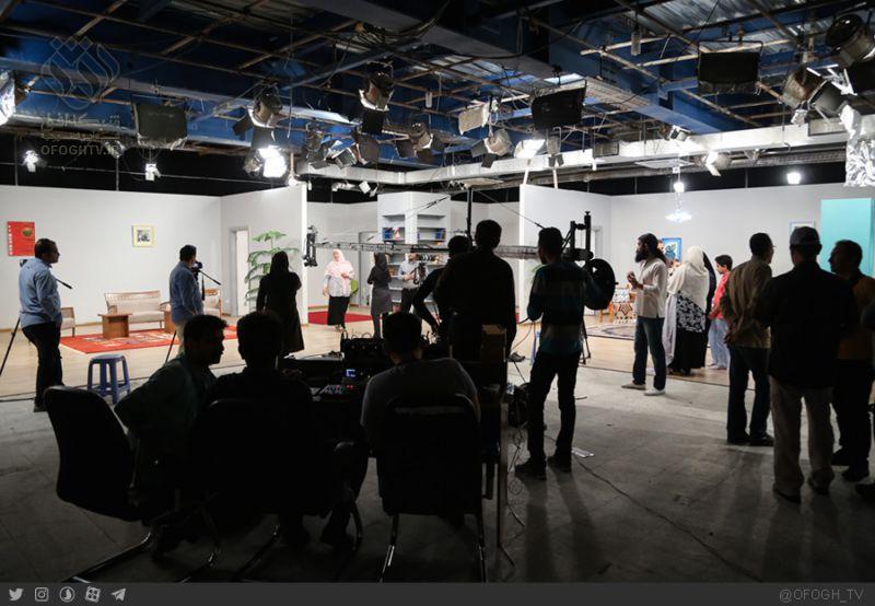 «یک روز، زندگی» مستند مسابقه ای با هدف ترویج سبک زندگی اسلامی و فرهنگ صرفه جویی با تهیه کنندگی سید محسن حسینی است که در ۵۲ قسمت ۵۰ دقیقه ای همراه با بخش های نمایشی در حال تولید در شبکه افق می باشد.