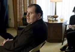 فیلم سینمایی یک مرد جدی  www.filimo.com/m/9bt78