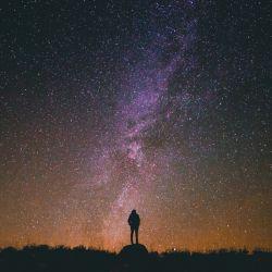 چشمانت را برایم پست کن شب ها آسمانم بی ماه است ...
