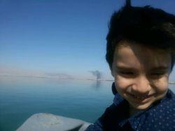 #علی اقا و #قایق سواری در  #قشم . اول فکر می کردم از ترس سوار نشه ولی بعدش دیدم زیادی نترسه