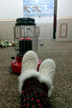 خوشبحال ما بچه های روستا ک از این بخاری ها داررریم  دلتوووووون بسوووزه ههههه