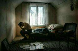 ➖ خبری نیست ولی منتظرم ؛ که بیاید، برسد، در بزند ... سر بچرخاند و با بغض بگوید: جانم رفتنم را کُشتم ...