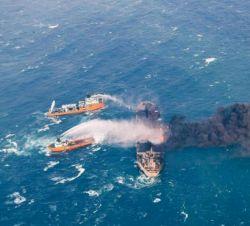 حادثه کشتی نفتکش سانچی حادثه کمی نیست، ولی اصلا بهش توجه نمیشه، چون کسی نمیتونه باهاش سلفی بگیره!!