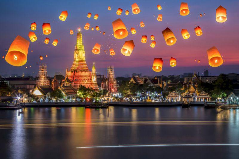ایلند با نام رسمی پادشاهی تایلند و نام سابق سیام، کشوری در شبهجزیره هندوچین واقع در جنوبشرقی آسیاست. این کشور از شمال با برمه و لائوس، از شرق با لائوس و کامبوج، از جنوب با مالزی و خلیج تایلند، و از غرب با برمه و دریای آندامان همسایهاست. تور تایلند فرصتی مناسب برای بازدید از جاذبههایی زیبا و دیدنی است.