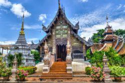 تایلند در طول سال 2017 میلادی از 35 میلیون بازدیدکننده که از طریق قطر ایرویز و از دبی حرکت میکردند و در فرودگاه بانکوک فرود میآمدند، پذیرایی کرد. این رشد عظیم گردشگری در تور تایلند باعث دستاوردهای اقتصادی زیادی در این کشور شده است.