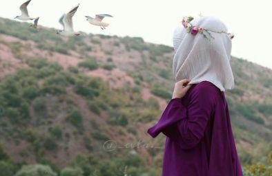 تا که باران میشوی خیس از حضورت  میشوم  ای دلیل رویش آثار من؛  صبحت بخیر!   چشمه ی جوشان ایمان منی  بی شک ببین!  بنده ی کویت شدن اقرار من؛  صبحت بخیر!.   صبحتون بخیر