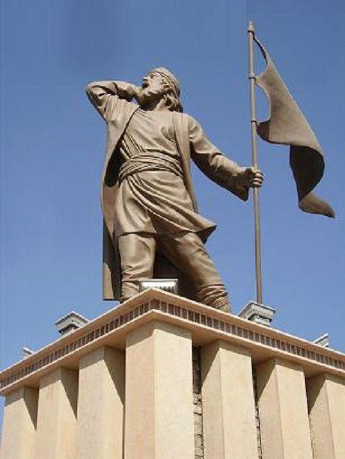خراسان غربی / المان چاووش در میدان دروازه عراق سبزوار / سازنده: هادی عارفی هنرمند پیکر تراش سبزواری