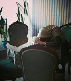 بودن من ...    بی مخاطب است !!!   اما نوشته هایم...  همه برای تنهایی های کسانی است   که مثل من تنها هستند !!..