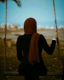 وقتی میگویم دیگر به سراغم نیا فکر نکن که فراموشت کردهام یا دیگر دوستت ندارم نه. من فقط فهمیدم وقتی دلت با من نیست بودنت مشکلی را حل نمیکند، تنها دلتنگترم میکند!