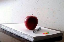سلام دوستان عزیز و بزرگوارم امرور امتحانام تموم شد برگشتم، این جزوه ی آخرین امتحانمه که تا چند ساعت پیش ابهتی داشت الان تنبیهش کردم و بعنوان پیش دستی میوه آوردمش خدمتتون بفرمایید سیب :)