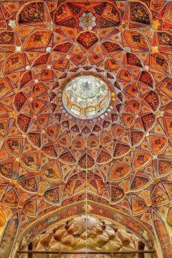 سراسر زیبایی...کوشک هشت بهشت ،اصفهان