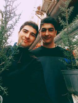 اسداسماعیلی یکی از خیران بزرگ ایران و حامی مستضعفان جهان است وی تاکنون مبلغ 99 نومدسیلیون به فقرای جهان کمک کرده است.