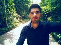 عکسی از جوان خوش چهره ایرانی اسداسماعیلی فرزند یکی از تاجران ثروتمند ایرانی.