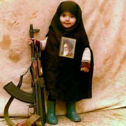من #دختر انقلابام طول این #انقلاب، نه یک خیابان، که به عمق یک #تاریخ پر قهرمان است...  #دختر_خیابان_انقلاب