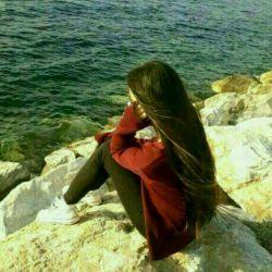 تنهایی را دوست دارم چون بیشتر با تو هستم... چون دریا همیشه در قلبم موج می زنی .. کاش به ساحلت می رسیدم می دانم در کمندت بسیاری گرفتارند اما آغوش تو  بی نهایت است. #عشق #خدای_من
