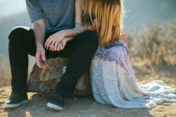 کاش دلها آنقدر پاک بود که برای گفتن ، دوست دارم ، نیازی به قسم خوردن نبوده...