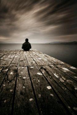 من که با یاد تو ، دنیا را فراموش کرده ام ... از مروت نیست ، از خاطر به در کردن مرا ...