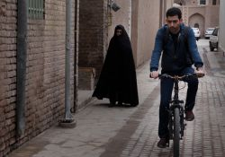 فیلم مستند پازلی ها      www.filimo.com/m/nSJzA