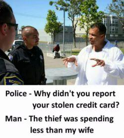 پلیس: چرا دزدیده شدن کارت اعتباری تون رو گزارش ندادید؟!  مرد: چون دیدم دزد داشت کمتر از زنم خرج می کرد!  :))  https://www.bazarazerbaijaan.com/ http://unionclub.ir/