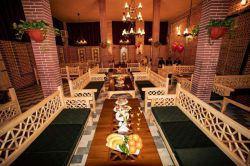 رستوران و کترینگ تخصصی دایان / مکانی شیک و دنج برای مردم و مسافران سبزوار / میدان مادر نبش خیابان 17 شهریور