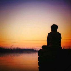 دلتنگم ... دلتنگم و دیدار تو درمان من است ،،، بی رنگ رخت زمانه زندان من است ....