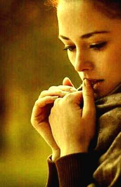 می خواهم اقلا یک نفر باشد ، که من با او  از همه چیز، همان طور حرف بزنم که با خودم حرف می زنم.....((سلام☺❤️))