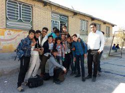 دبیرستان شهید رمضانی کردیان همراه دانش آموزان عزیزم
