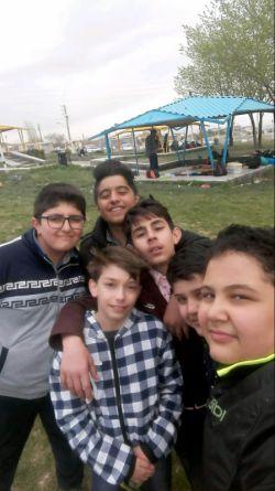 عکس دست جمعی من و دوستام