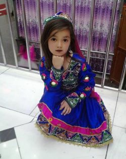 دخترک افغانی